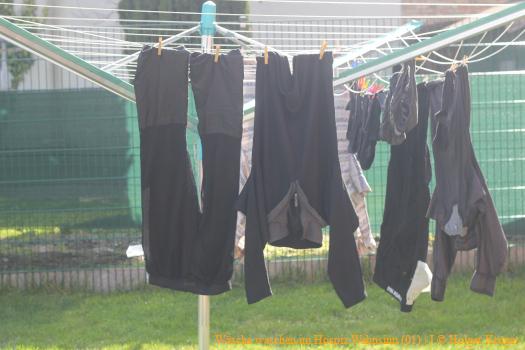 Wäsche waschen im Hospiz Wahnsinn (01) | J